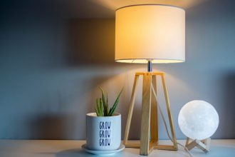 La lampe design : le must-have déco qui sort de l'ombre